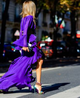 atmosphere details, fashion week, frenchystyle, full length, FW, high heels, horizontal, jonathan paciullo, leather bag, leather shoes, multicolor shoes, PARIS, PFW, purple dress, ruffle, ruffled, SPRING SUMMER 2017, SS 17, street style